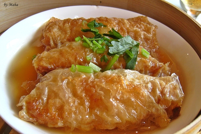 Streamed bean curd skin roll with oyster sauce 두유피막 ...