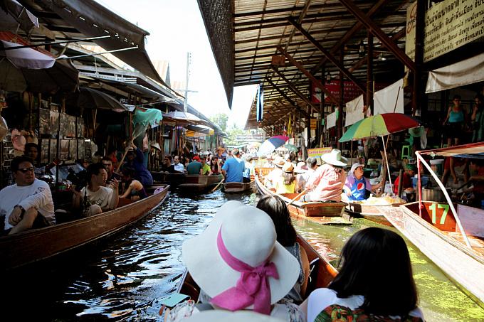 방콕, 물 위의 시장 담넌사두억 - 겟어바웃