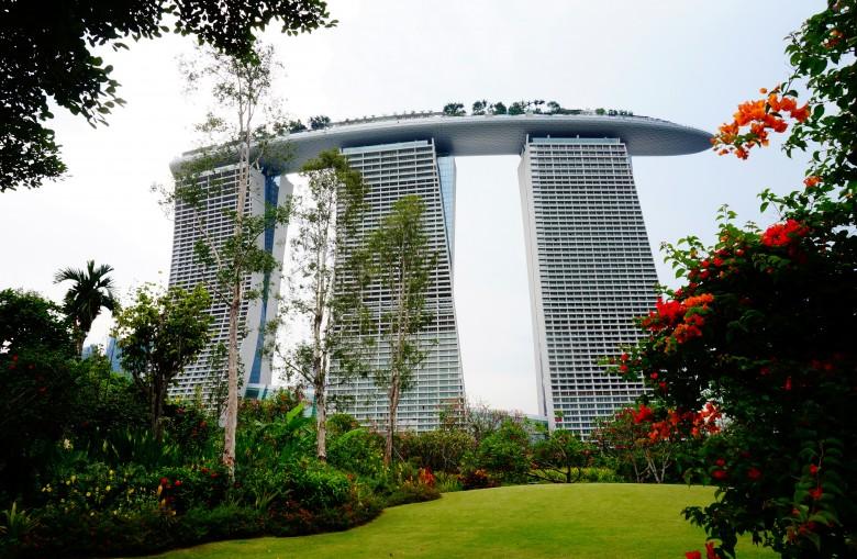 하늘과 맞닿은 싱가포르의 상징! 마리나 베이 샌즈 - 겟어바웃