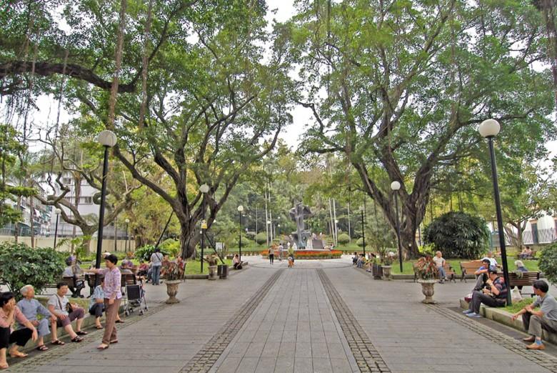 까모에스광장